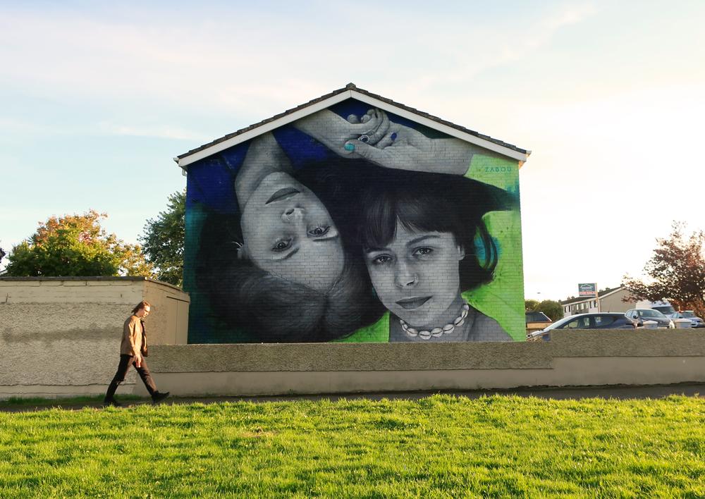 Zabou - Street Art Portrait of Twins